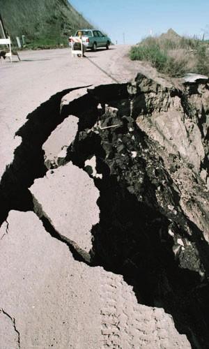 Trzęsienia Ziemii w różnych rejonach